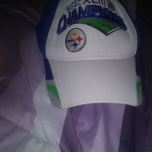 Pittsburgh SteelersNFL   $28. Sz large+  free P/S